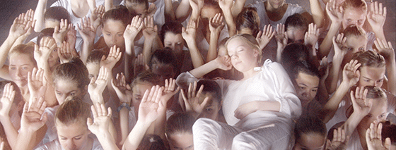 Swiss Sense commercial 2014 op handen gedragen