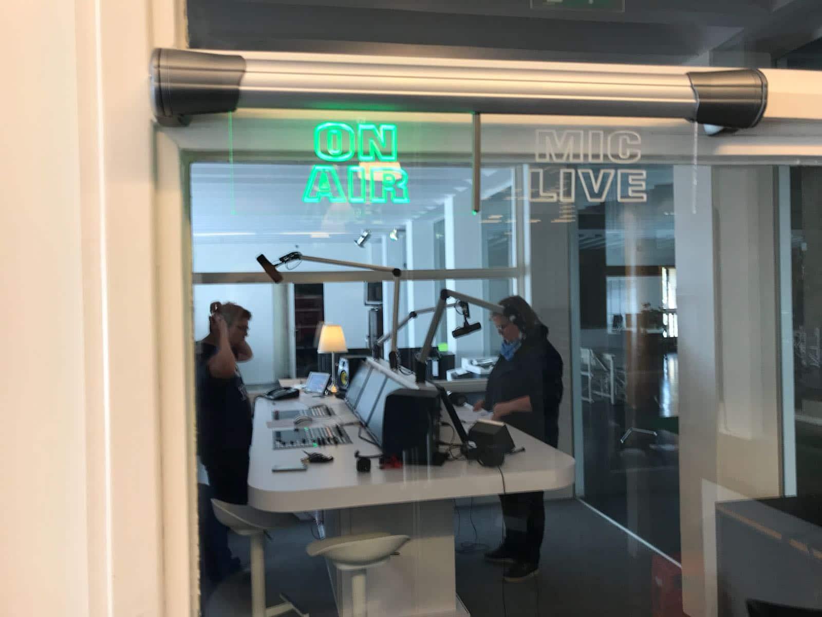 Live radio-interview op zondagmiddag 15 april bij Studio 040
