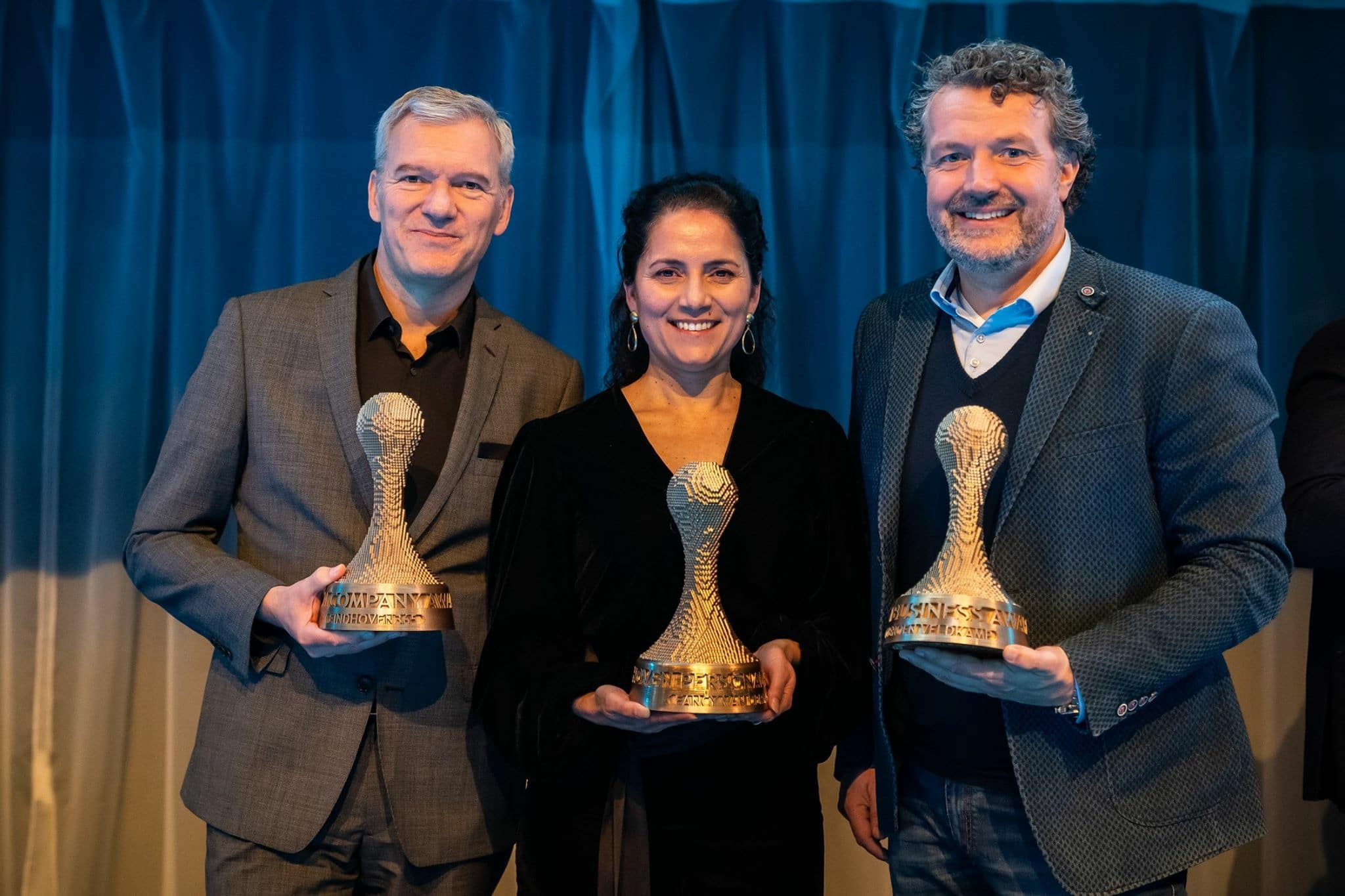De prijswinnaars, met Jeroen Veldkamp rechts
