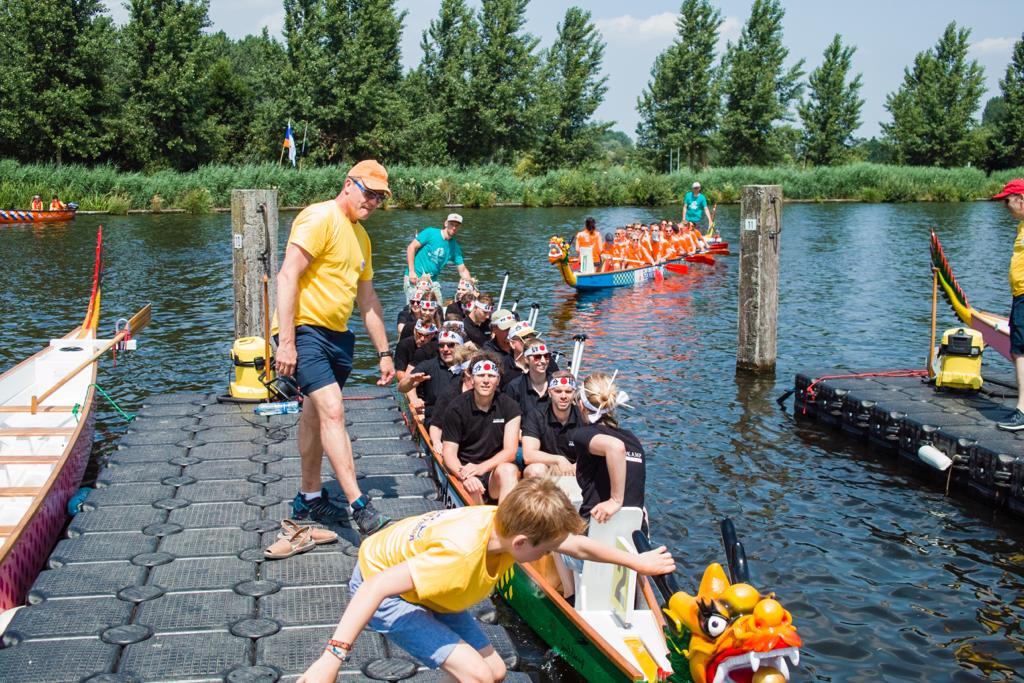 Het team in voorbereiding op Sloep Kroepoek